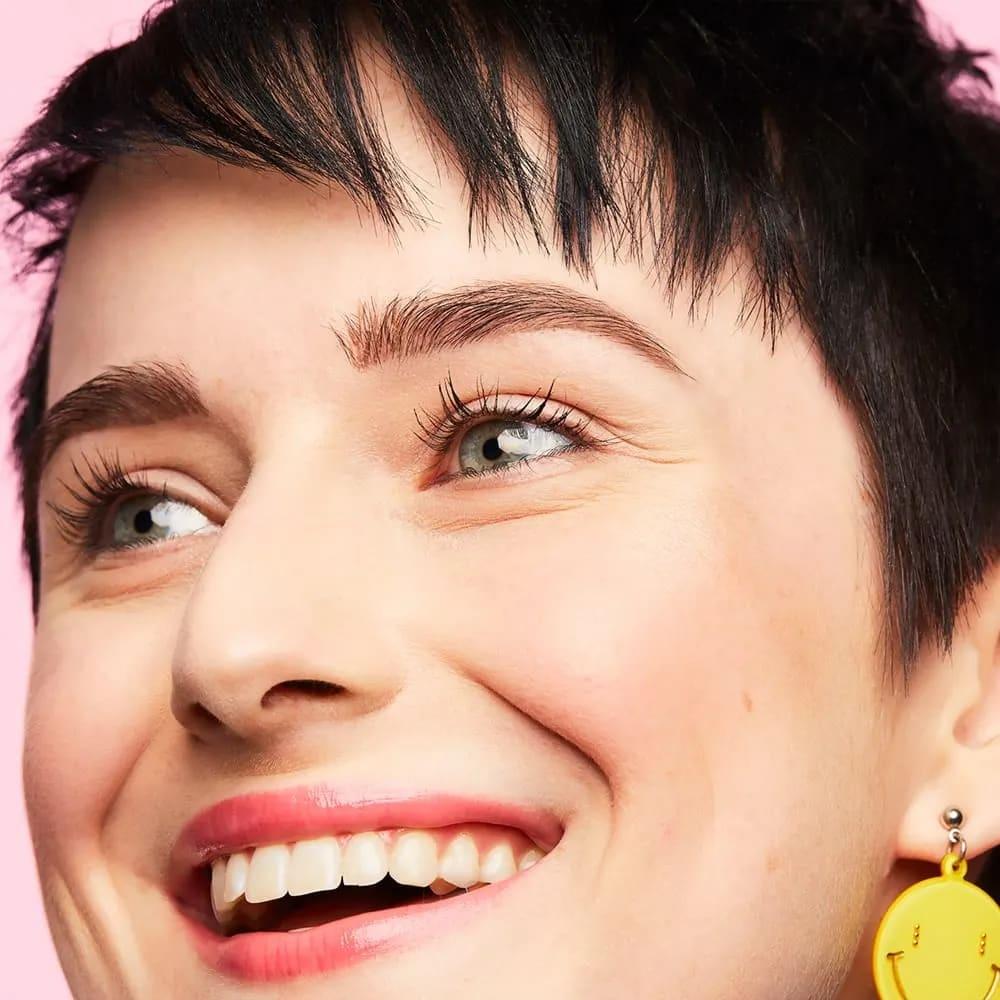 103-benefit-precisely-my-brow-eyebrow-pencil-campaign.jpg