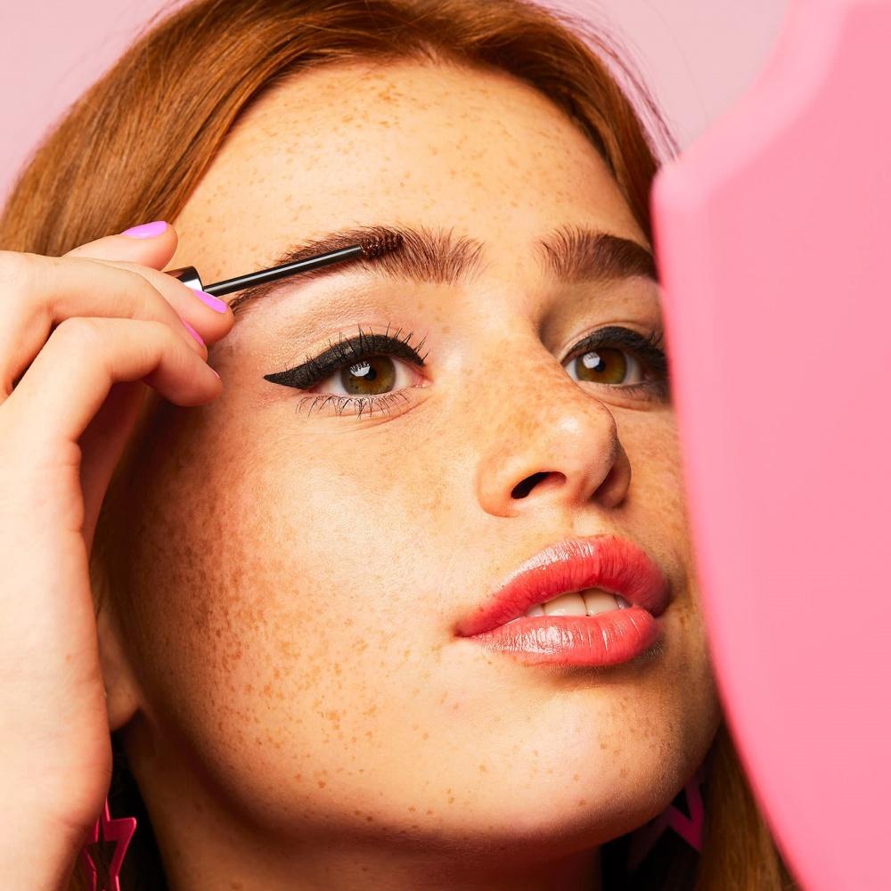 104-benefit-gimme-brow-volumizing-eyebrow-gel-campaign.jpg